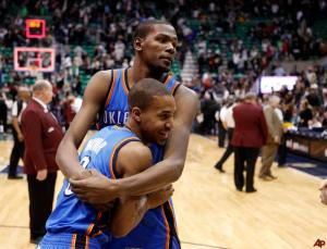 kevin-durant-eric-maynor-2011-2-6-0-1-11